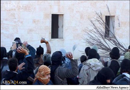 تصاویر/ داعش یک جوان را به اتهام «لواط» سنگسار کرد