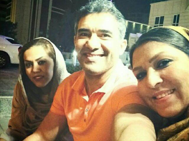 عکس/  احمدرضا عابدزاده در کنار همسر و دخترش