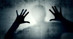تجاوز وحشیانه به زن جوان در مقابل چشمان خانواده اش