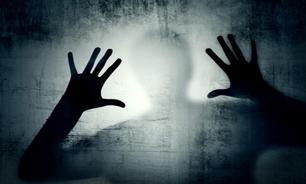 dustaan.com-تجاوز وحشیانه به زن جوان در مقابل چشمان خانواده اش