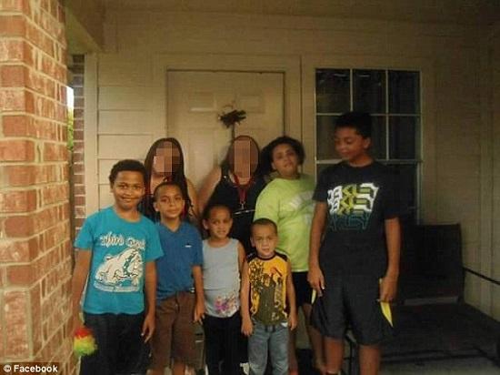 عکس/ پدر سنگدل 6 فرزند خود را در مقابل چشمان همسرش کشت