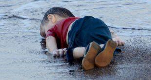 عکس/ کودکی که تصویر جسدش جهان را تحت تاثیر قرارداد