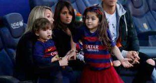 عکس/ خانواده مسی،سوارز و پیکه در استادیوم