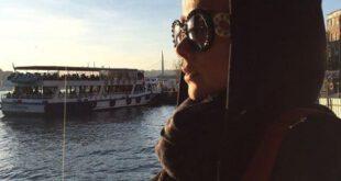 بازیگر معروف زن با تیپ جدید و خاص کنار دریا + عکس