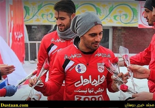 بازیکنان تراکتورسازی با شاخه گل از احمد نوراللهی و امید عالیشاه استقبال کردند