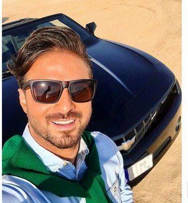 عکس: بابک جهانبخش در کنار ماشین گران قیمتش