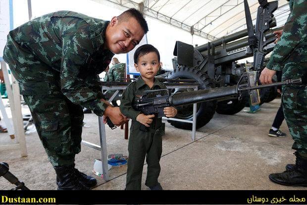 تصاویر: تفنگ های جنگی در اختیار کودکان تایلندی
