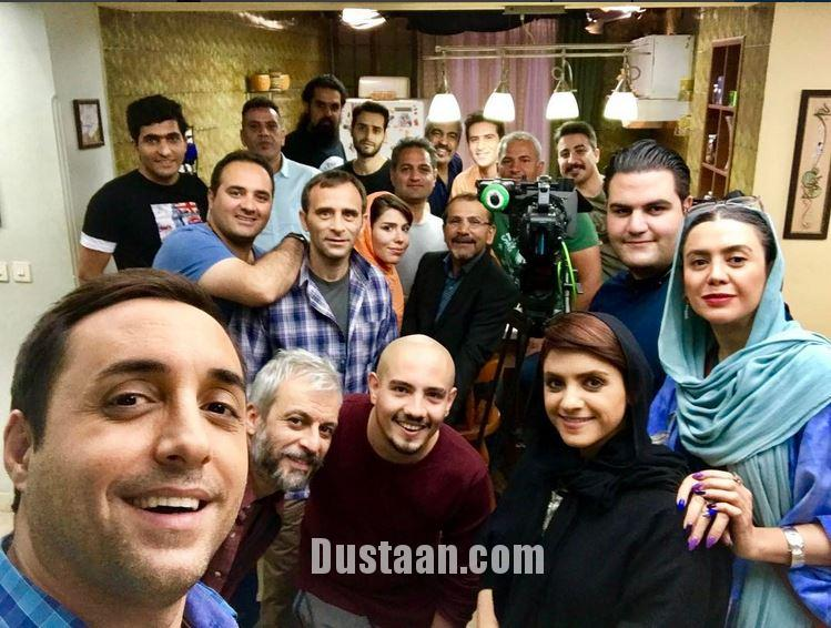 www.dustaan.com سلفی جالب امیرحسین رستمی با عوامل لیسانسه ها