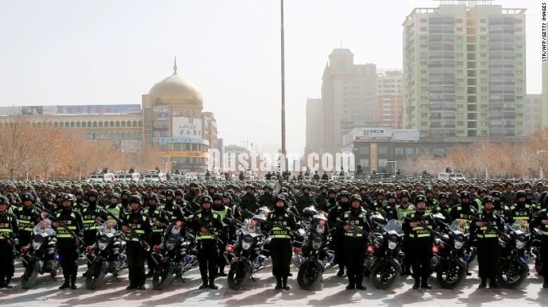 www.dustaan.com ممنوعیت استفاده از حجاب و ریش در استان شین جیانگ چین