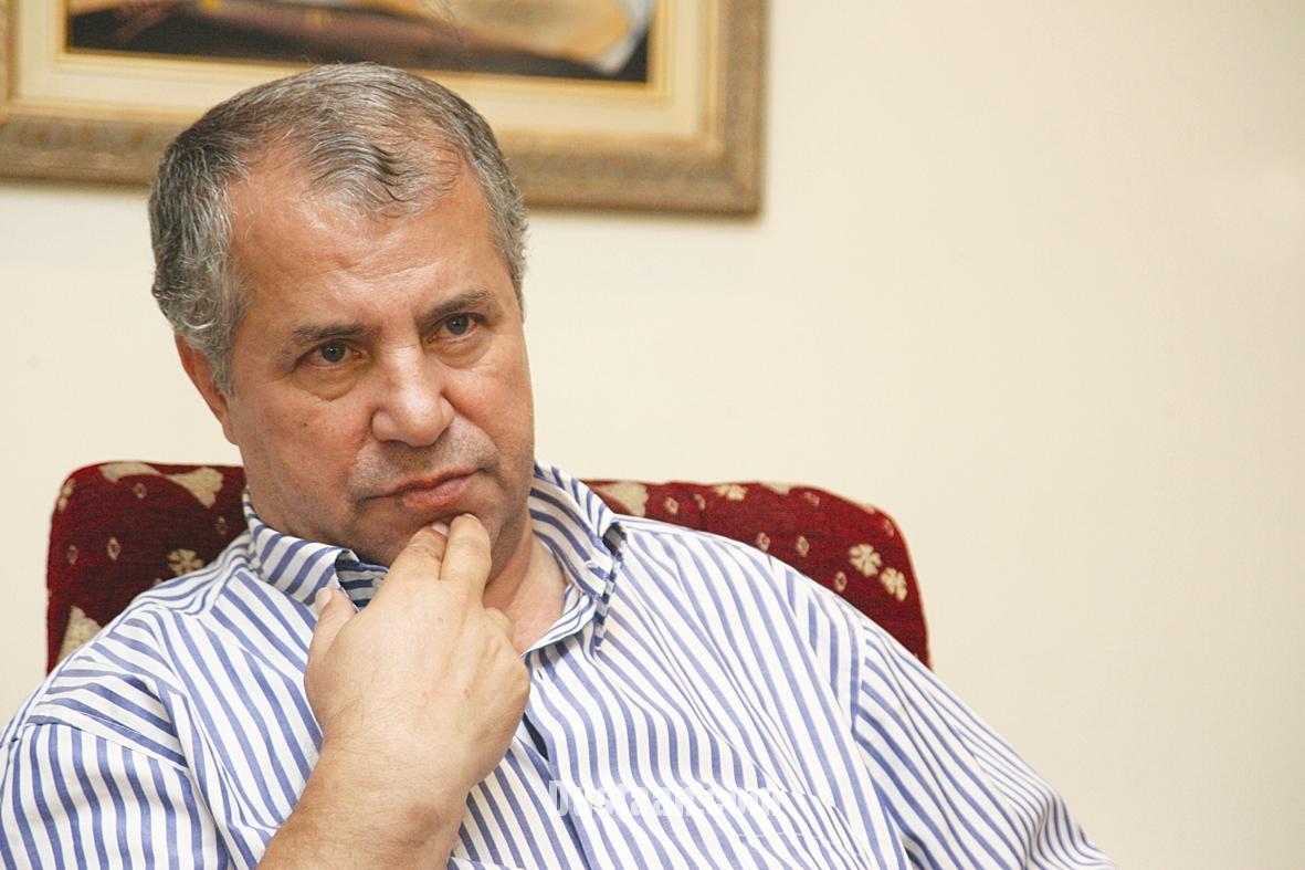 www.dustaan.com واکنش جالب علی پروین به فحاشی تماشاگران تبریزی