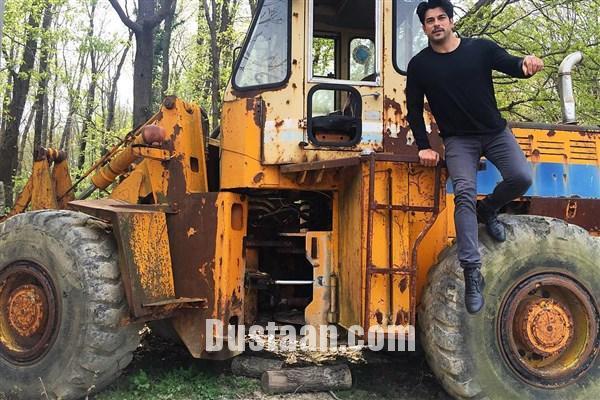 www.dustaan.com عکس: بازیگر خوش چهره ترکیه ای سوار بر لودر!