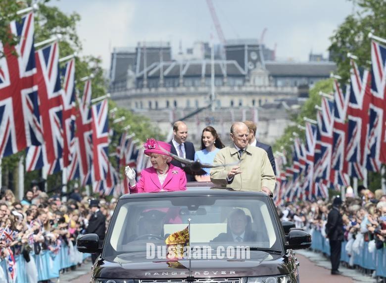www.dustaan.com تصاویری از زندگی همسر ۹۵ ساله ملکه انگلیس