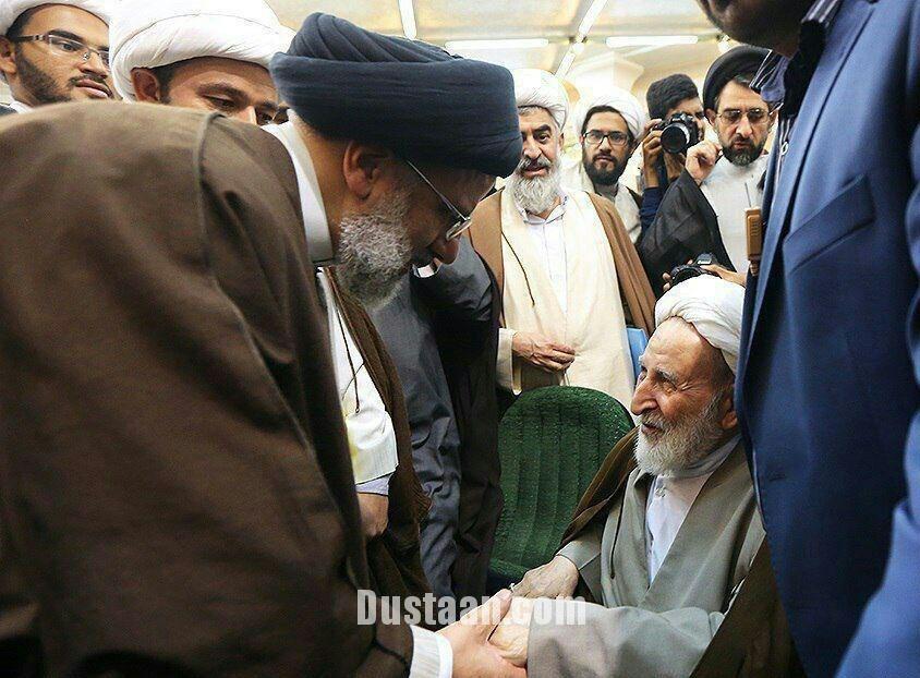 www.dustaan.com تصویری از حضور آیت الله یزدی در سخنرانی رئیسی