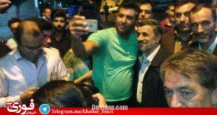 احمدی نژاد در صف رای گیری/عکس