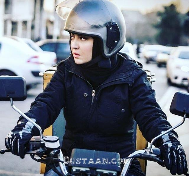 www.dustaan.com موتورسواری نیکی کریمی در خیابان! +عکس