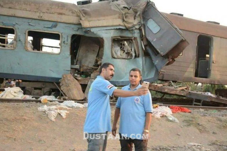 www.dustaan.com سلفی گرفتن جنجالی دو امدادگر با قطار حادثه دیده! +عکس