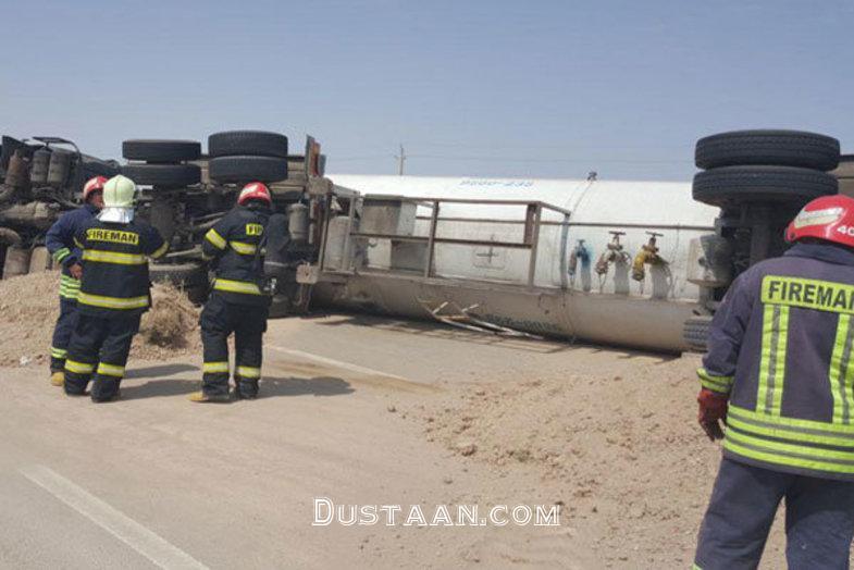 www.dustaan.com واژگونی تریلی حمل گاز مایع در اتوبان قم گرمسار +عکس