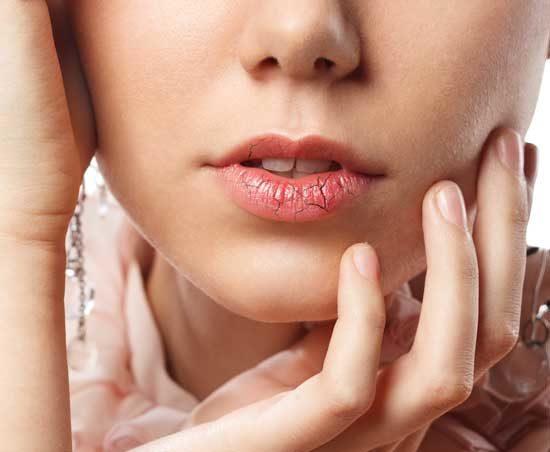 www.dustaan.com دلایل خشکی دهان + معرفی درمان های خانگی