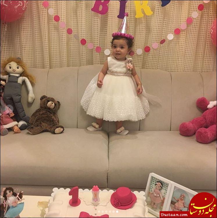 www.dustaan.com سلفی زیبای آزاده نامداری با همسر و دخترش