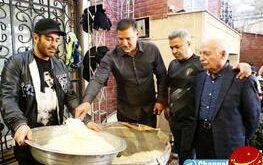 علی دایی و محمدرضا گلزار پای دیگ نذری +عکس