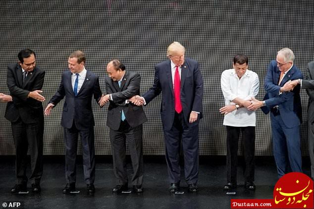www.dustaan.com وقتی دونالد ترامپ توانایی دست دادن ساده را هم ندارد! +عکس