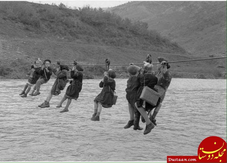 عبور دانش آموزان از رودخانه با قرقره در ایتالیا!