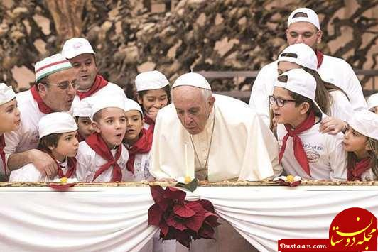 www.dustaan.com پاپ و شمع تولد ۸۱ سالگی اش بر روی پیتزا + تصاویر
