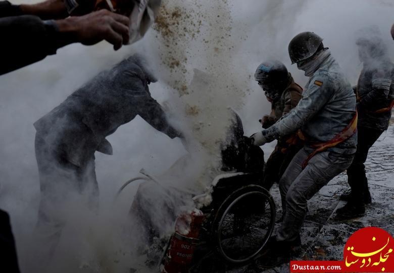 www.dustaan.com وقتی تخم مرغ وسیله بازی اسپانیایی ها می شود! +عکس