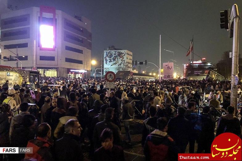 تجمعات دیشب در خیابان انقلاب تهران +تصاویر
