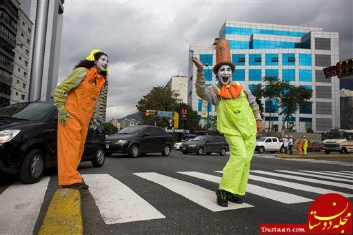 www.dustaan.com روش عجیب شهردار کلمبیایی برای کاهش تصادفات رانندگی! +عکس