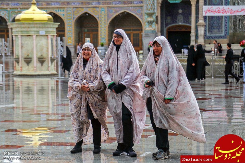 www.dustaan.com حجاب گردشگران خارجی در حرم حضرت معصومه(س) +عکس