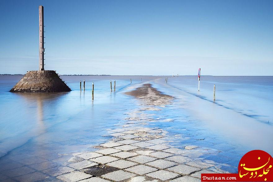 www.dustaan.com جاده ای که در طول روز دوبار زیر آب می رود! +عکس