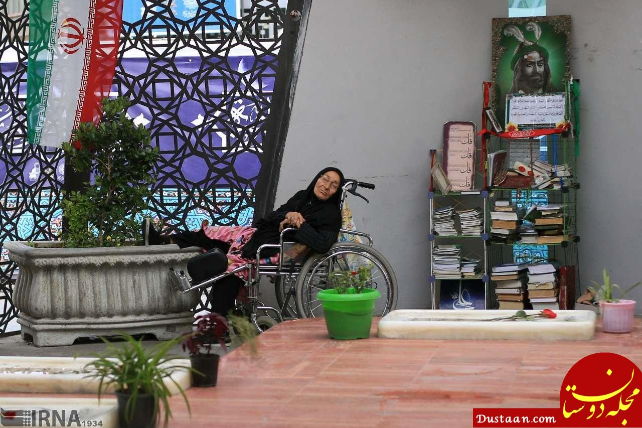 www.dustaan.com سفره ای برای روزه داران تهرانی در میدان امام حسین (ع)