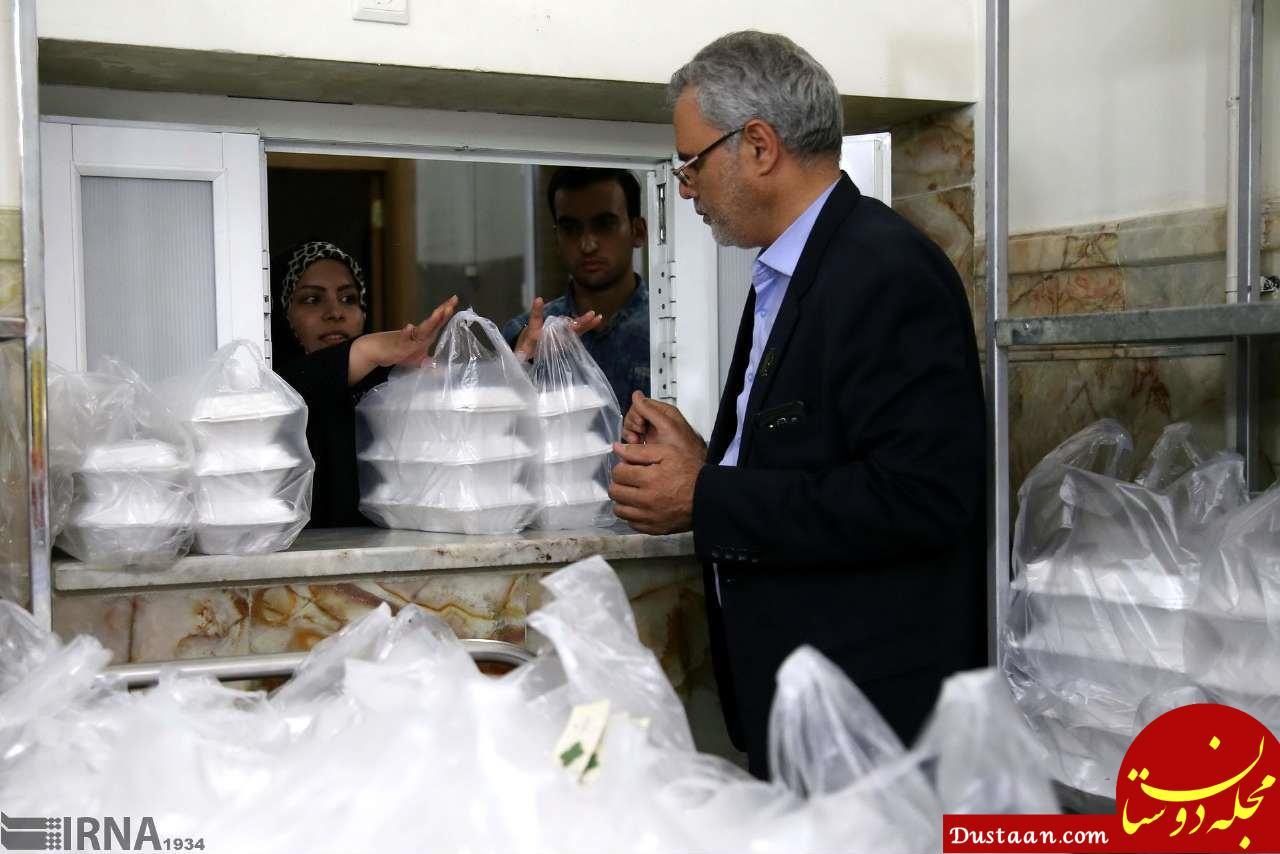 www.dustaan.com ضیافت افطاری در حرم حضرت معصومه (س) +تصاویر