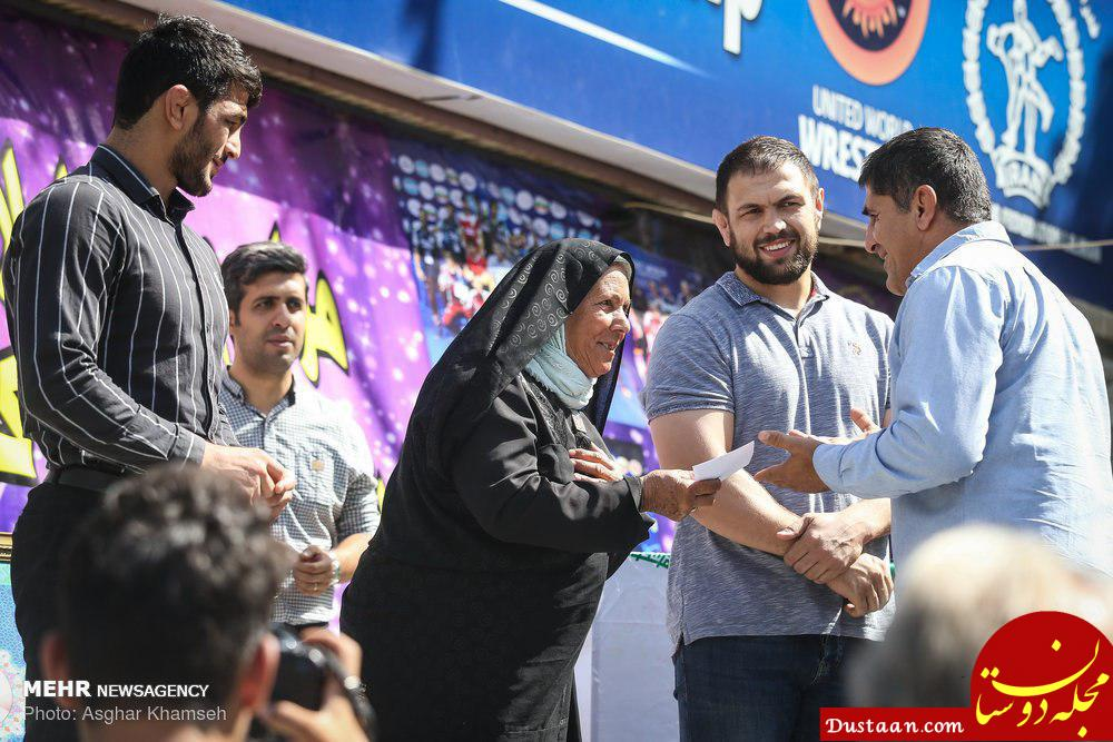 www.dustaan.com تقدیر از تنها بانوی پاکبان ایران +عکس
