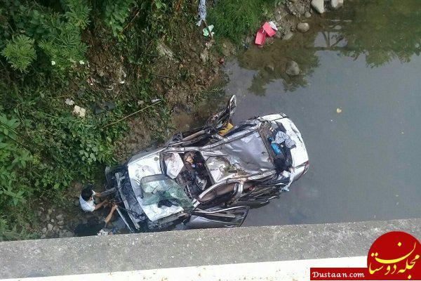 www.dustaan.com سقوط مرگبار خودرو به داخل رودخانه ای در رودسر /3 نفر جان باختند