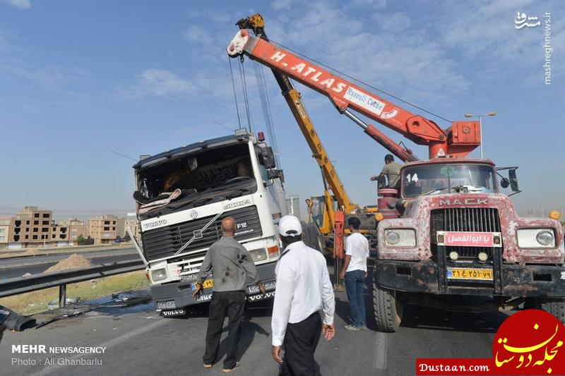 www.dustaan.com واژگونی تریلی بخاطر خواب آلودگی راننده +عکس