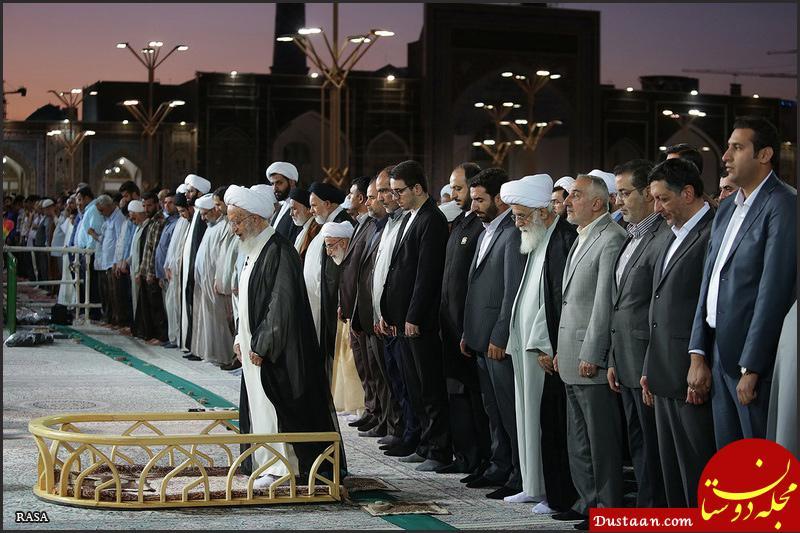 www.dustaan.com قطع نماز آیت الله مکارم شیرازی در حرم رضوی
