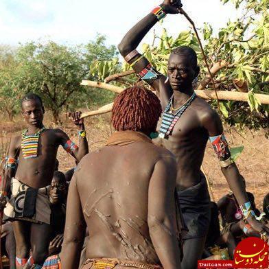 www.dustaan.com رسم عجیب کتک زدن خواستگار در آفریقا! +عکس