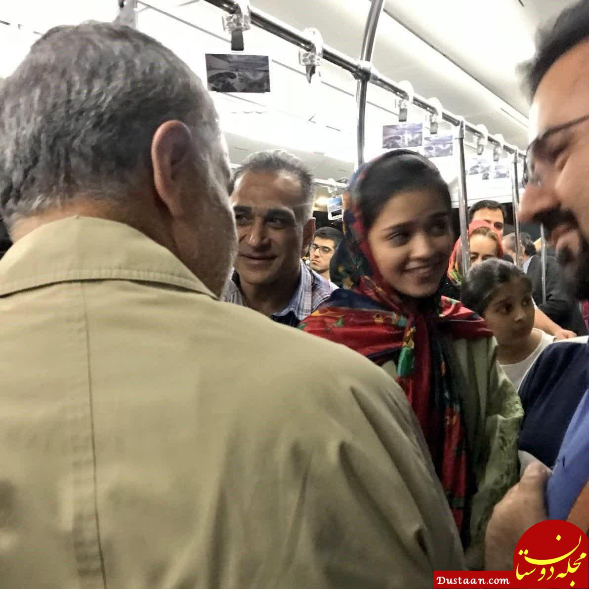 www.dustaan.com حضور سردارسلیمانی در اتوبوس عمومی فرودگاه +عکس