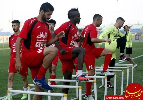 www.dustaan.com چاقوکشی روی سکوهای ورزشگاه/ تمرین پرسپولیس تحت تأثیرحاشیه های سکوها
