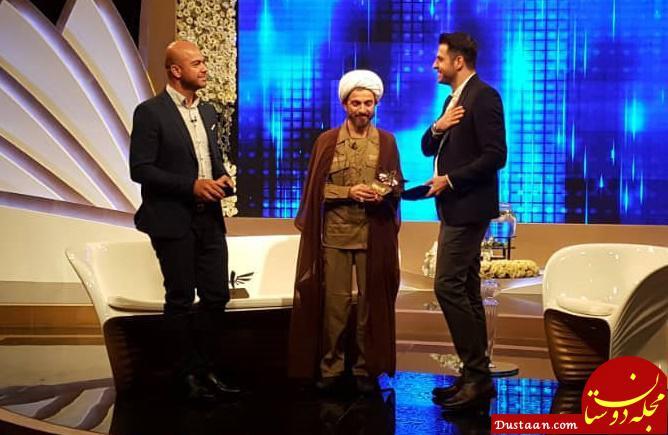 www.dustaan.com حضور یک طلبه با لباس غافلگیر کننده در تلویزیون! +عکس