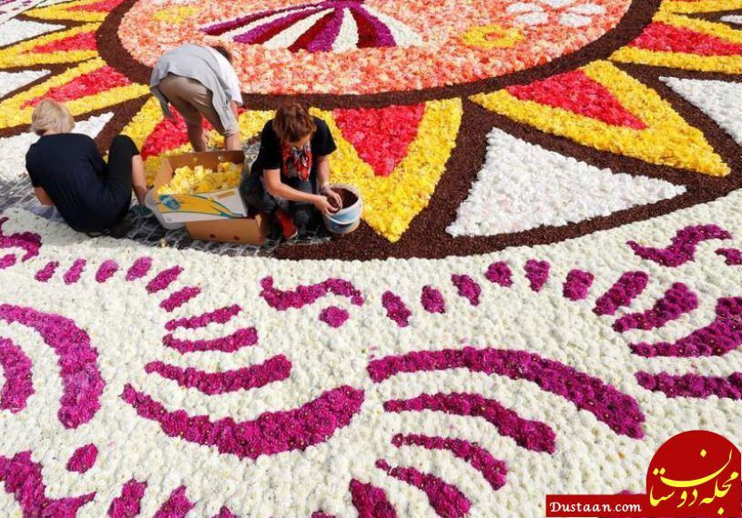 www.dustaan.com این فرش 1800 متری با 600 هزار گل ساخته شد! +تصاویر