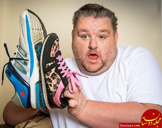www.dustaan.com پدری که نمی تواند کفش بخرد! +عکس
