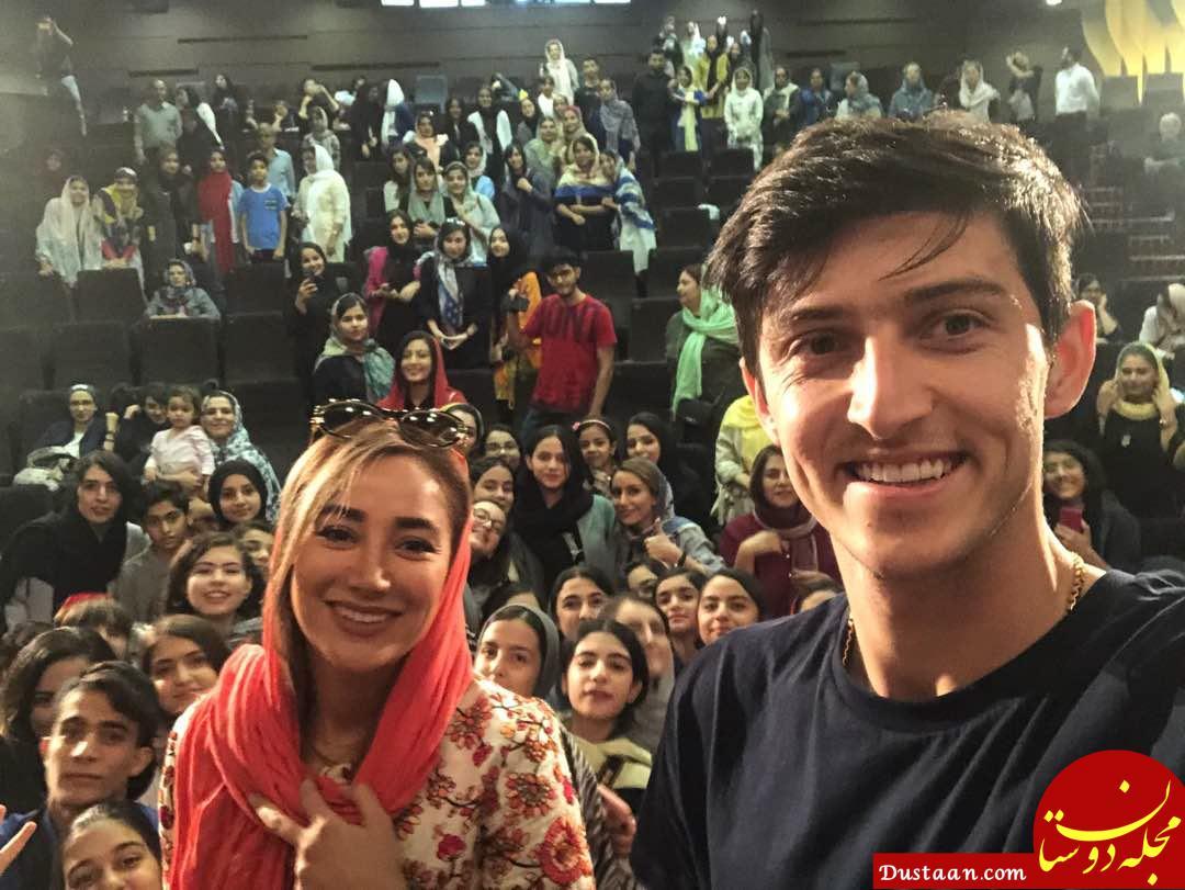 www.dustaan.com سلفی دیدنی سردار آزمون با بهاره افشاری در اکران فیلم «سریک» +عکس