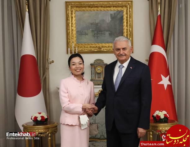 www.dustaan.com جلب توجه طرح روی ناخن شاهزاده ژاپنی در دیدار با مقامات ترکیه +عکس