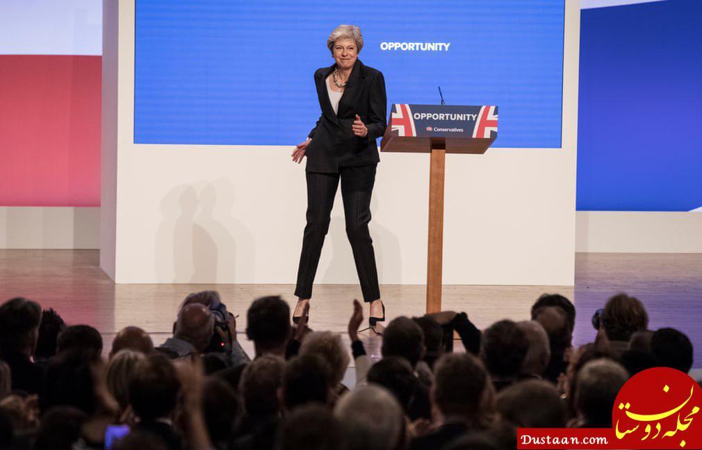 رقص خانم نخست وزیر در حین سخنرانی! +عکس