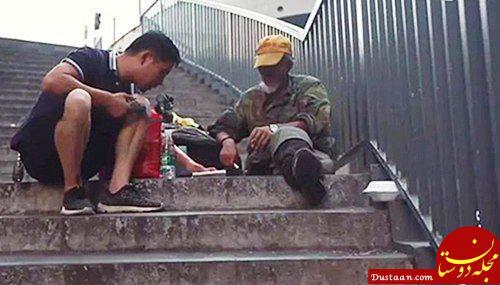 www.dustaan.com این مرد برای کمک به بی خانمان ها 3 سال است که سفر می کند! +عکس