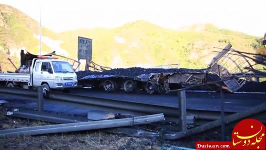 www.dustaan.com برخورد مرگبار کامیون با 31 خودرو در چین