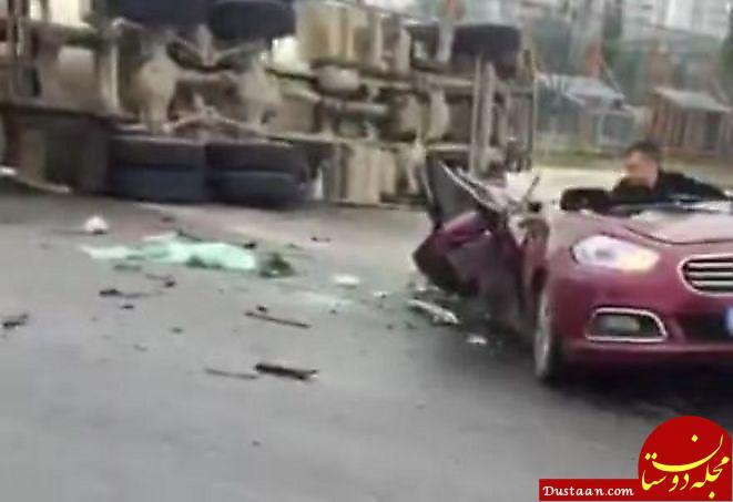 تصادف هولناک خودروی سواری با کامیون در چین +عکس